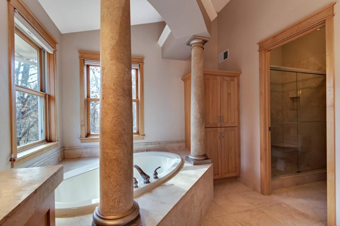 1_UL-Master-Bath-2