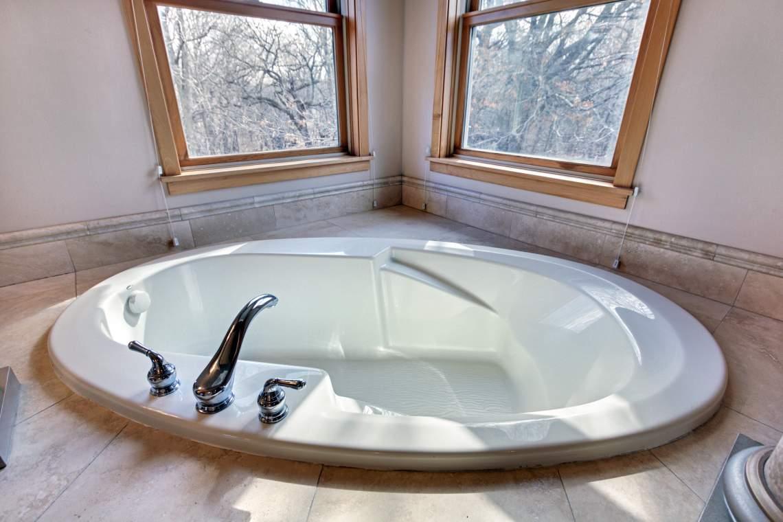 1_UL-Master-Bath-3