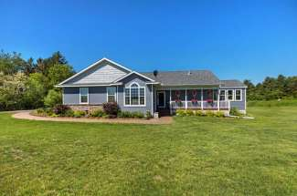 1208 113th Avenue, Roberts, WI 54023