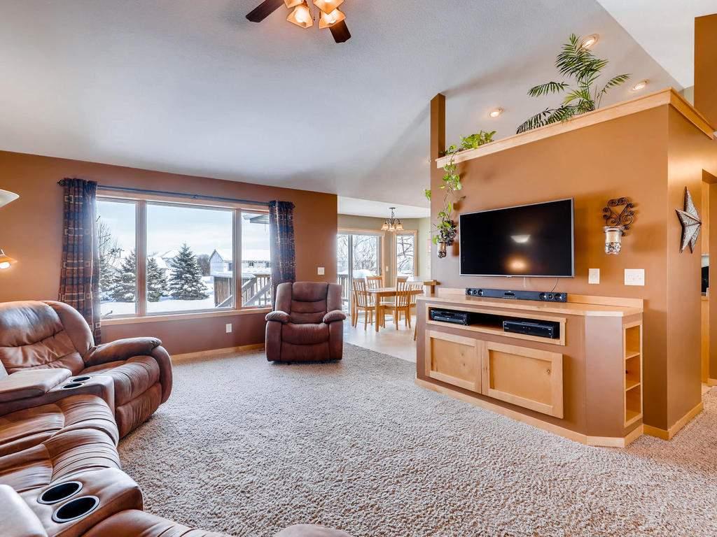 1240 Peninsula Road New-008-10-Living Room-MLS_Size