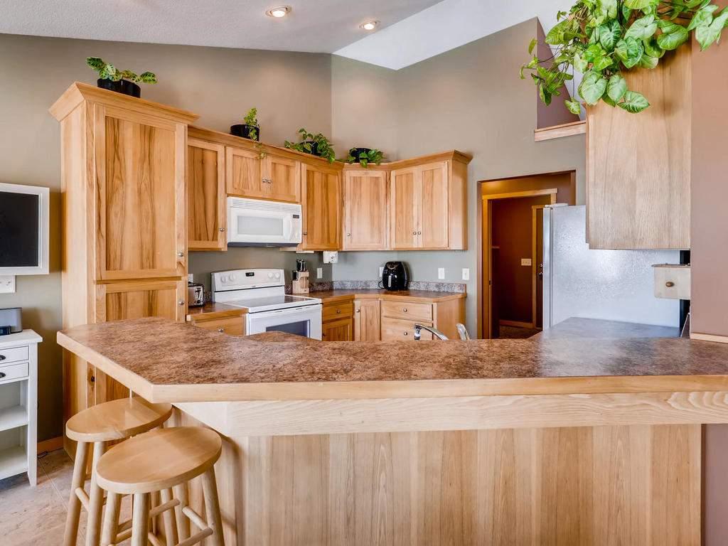 1240 Peninsula Road New-009-21-Kitchen-MLS_Size