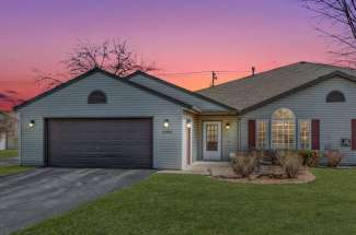 1352A Carriage Lane, Hudson WI  54016