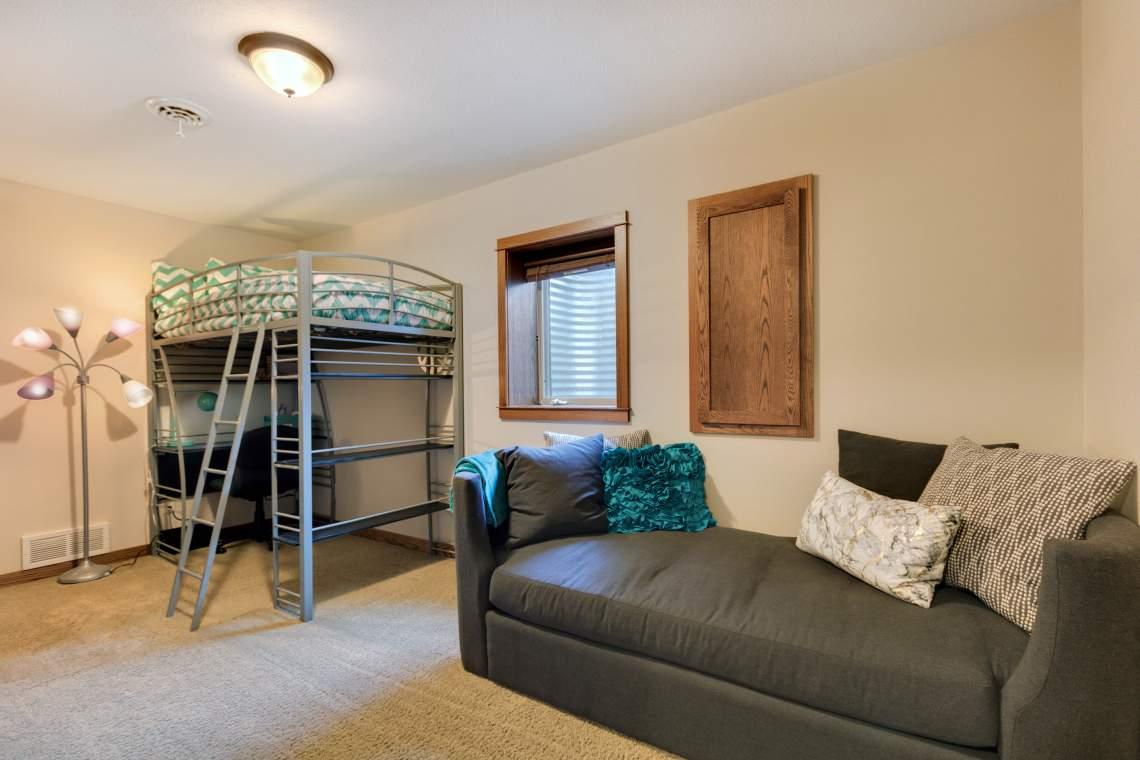 LL-Bedroom