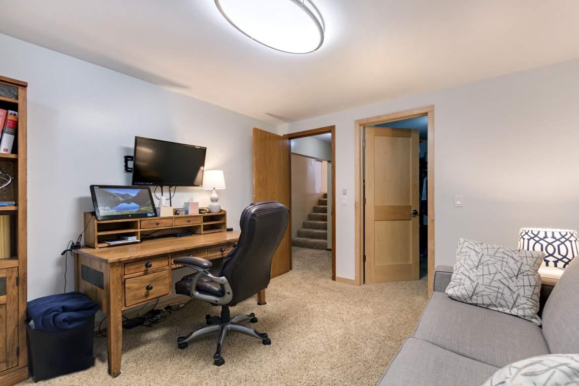 LL Office 1