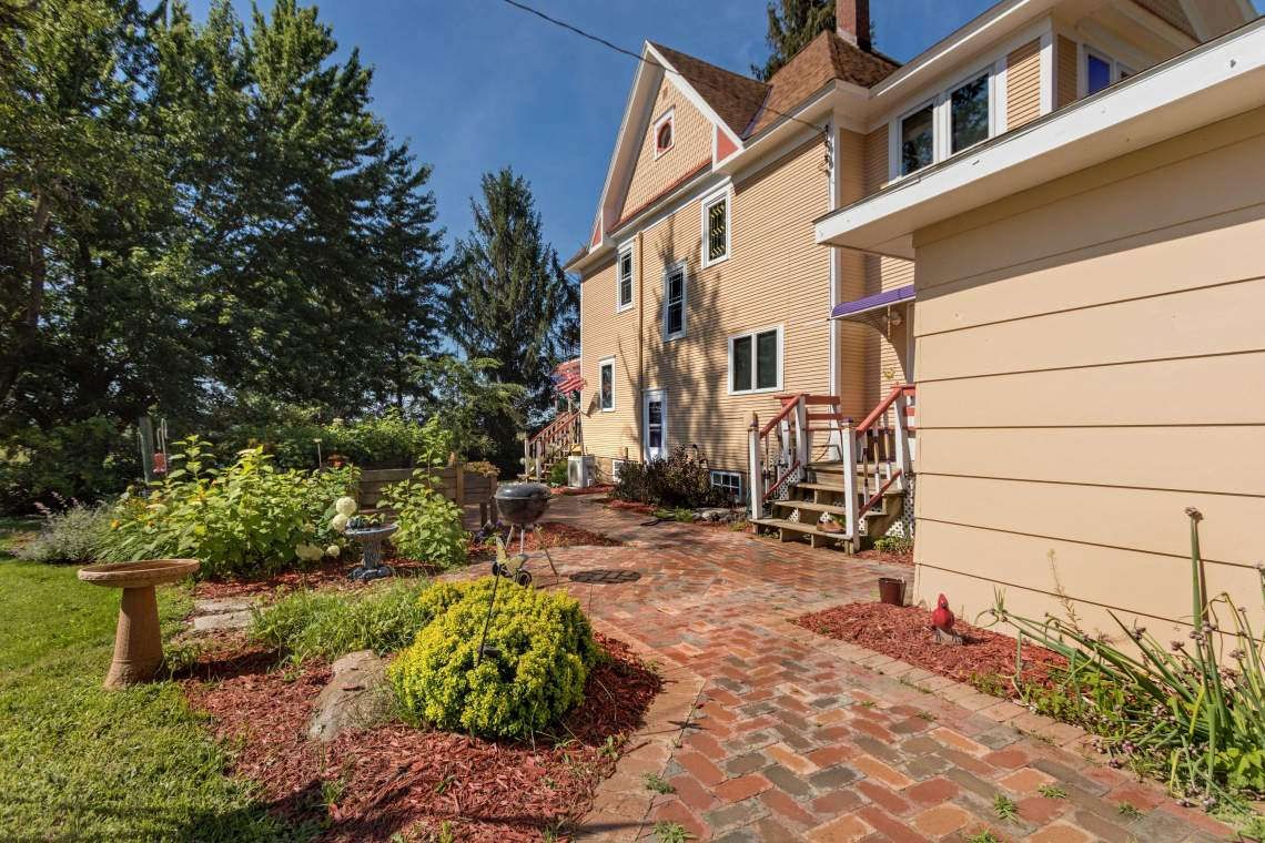 1-House-Garden-Side-3