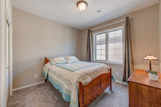 2068_Bridle_Ct_Hudson-24-original-Bedroom_540