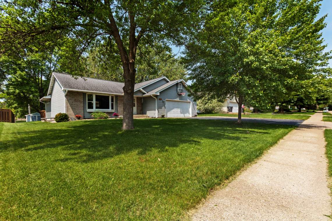 1-Front-yard-1