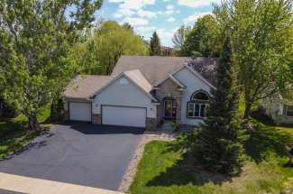 2324 Donegal Way, Hudson, WI 54016