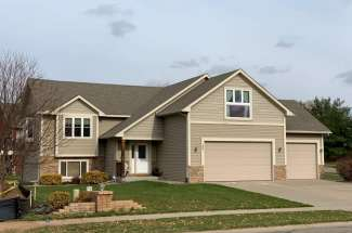 25 Coach Light Drive, Hudson, WI 54016