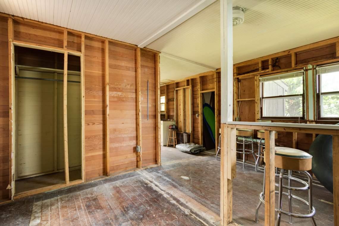 2 Cabin Interior 1