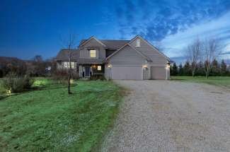 396 Old Cemetery Rd, River Falls, WI 54022
