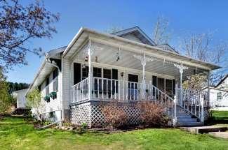 423 Pine Street, Glenwood WI 54013