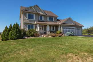 446 Sunrise Circle, Hudson, WI  54016