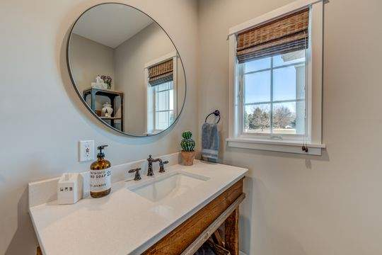 455_Carriage_Ln_Hudson-14-original-Bathroom_540
