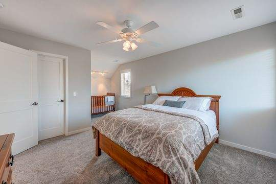 455_Carriage_Ln_Hudson-17-original-Bedroom_540