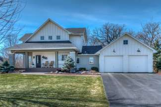 455 Carriage Lane, Hudson, WI 54016
