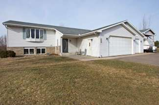 531 Prairie Lane, Hudson WI 54016