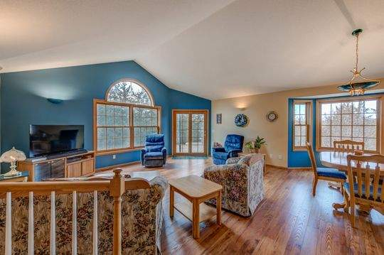 735_Aldro_Rd_Hudson-11-original-Living_Room_540