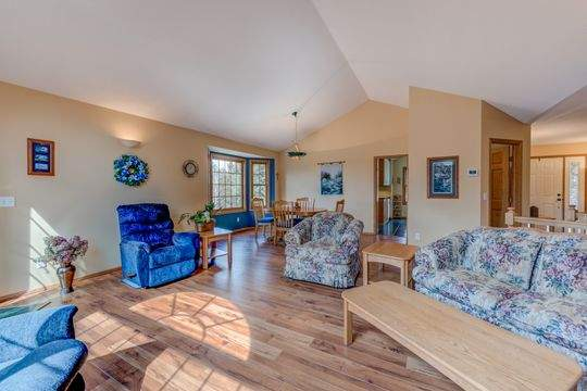 735_Aldro_Rd_Hudson-13-original-Living_Room_540