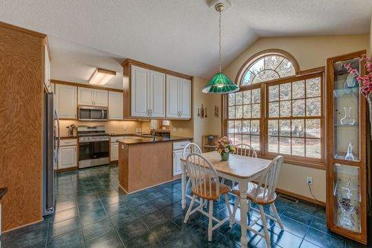 735_Aldro_Rd_Hudson-4-original-Dining_Room252FKitchen_540
