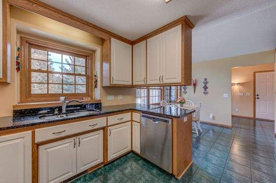 735_Aldro_Rd_Hudson-7-original-Dining_Room252FKitchen_540